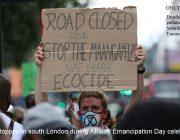 Движение на юге Лондона остановлено