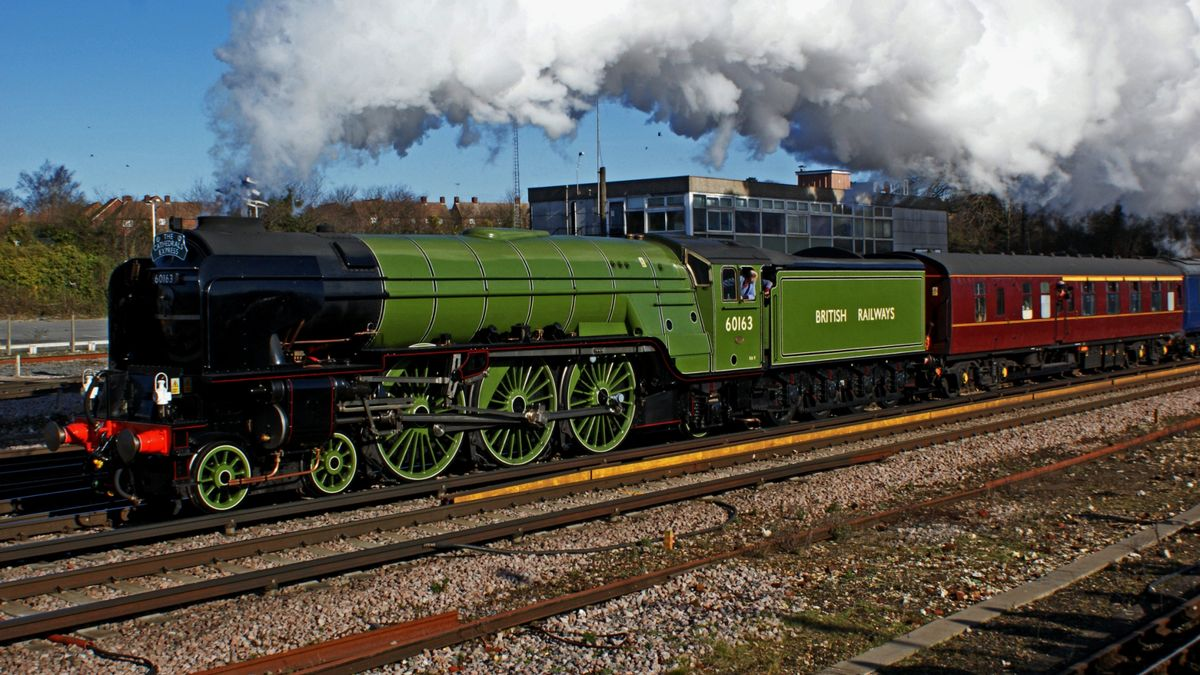 London to Windsor by Steam Train