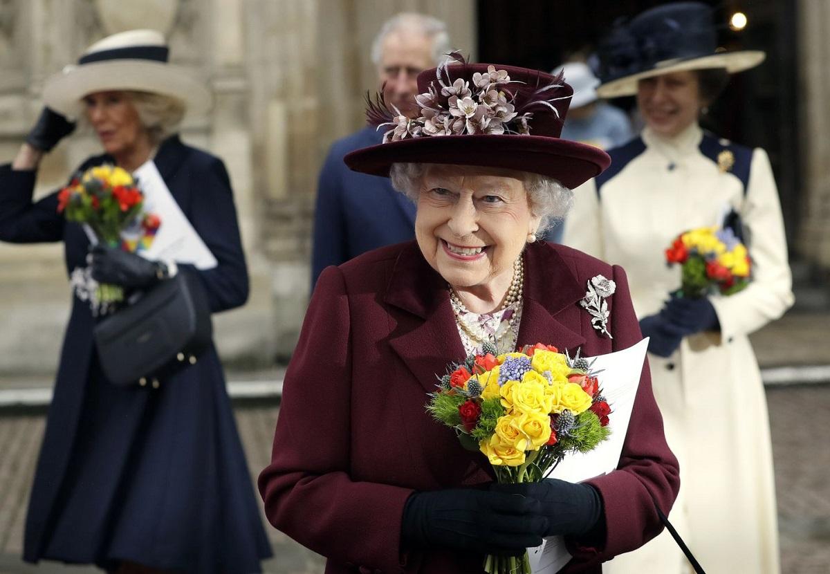 Королева Елизавета II поблагодарила британцев за поддержку после смерти принца Филиппа