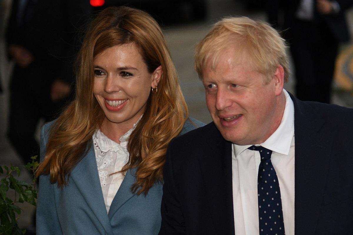 Борис Джонсон женится на невесте Кэрри Саймондс в июле 2022 года