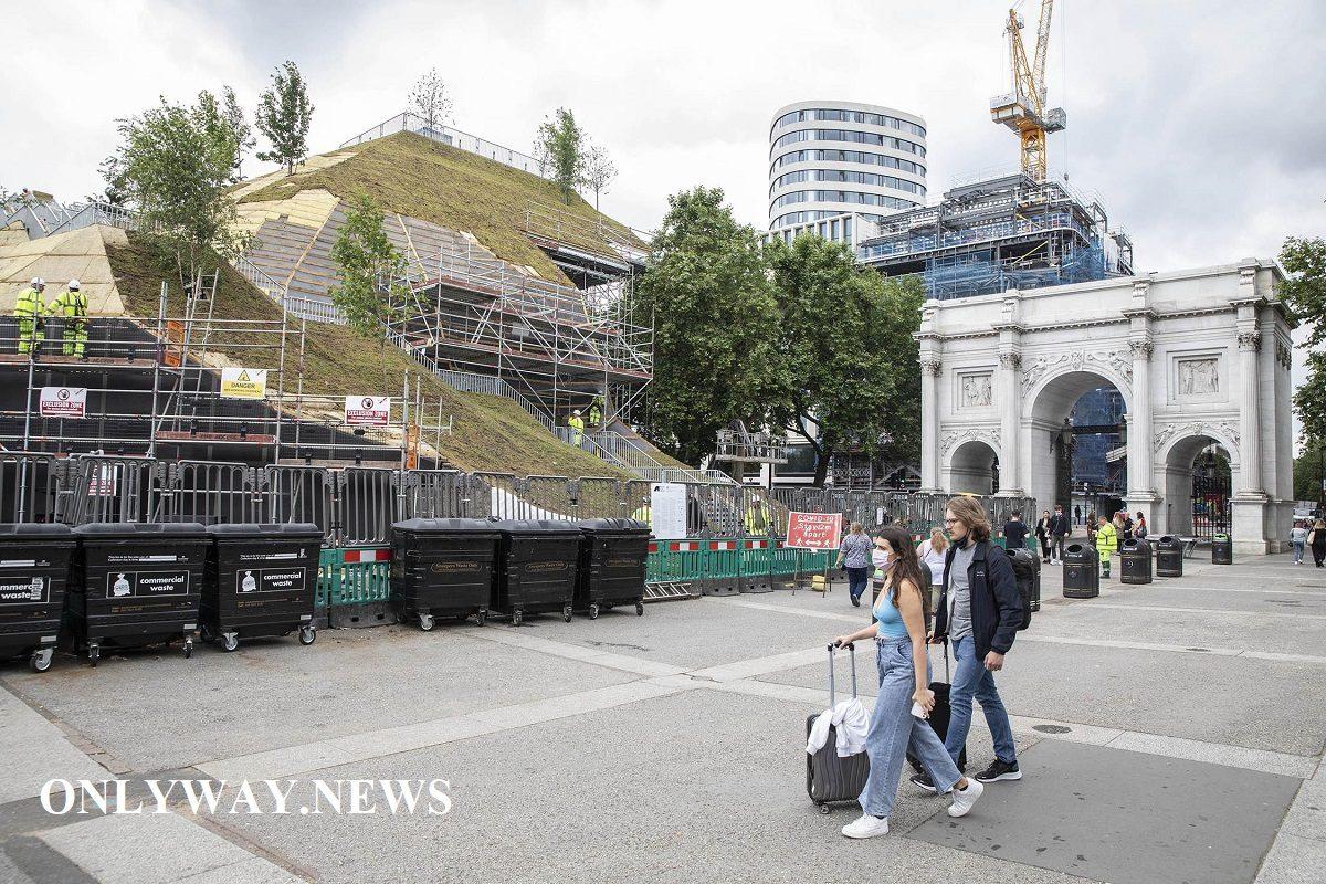 Лондонский курган у Мраморной арки разочаровал горожан и туристов
